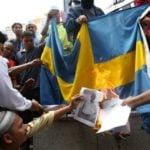 Muzułmanie oburzeni na Polaków sami profanują cudze symbole.