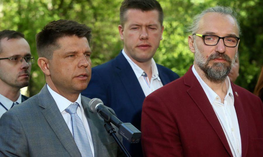 Papierowi obrońcy demokracji. Kto wydał wyrok polityczny na Petru i Kijowskiego?!