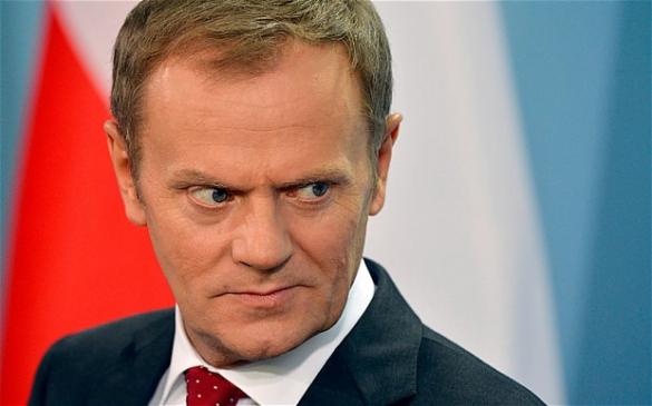 Donald Tusk przestał być Polakiem? Pozbawił Polskę prawa głosu w sprawie imigrantów!