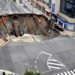 Jak Japończycy naprawili uszkodzoną drogę w 5 dni [WIDEO]