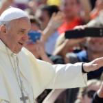 """Papież pogroził palcem polskim biskupom: """"Cennik w Kościele to barbarzyństwo"""""""