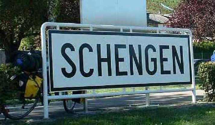 Czy Unia Europejska przywróci kontrole na granicach i wyrzuci Polskę ze strefy Schengen?