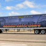 """Pierwszy wyjazd ciężarówki """"German Death Camps"""" na ulice Chicago [VIDEO]"""