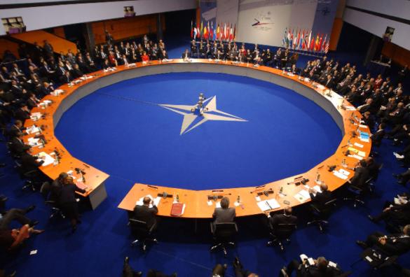 Przesmykiem Suwalskim jako jednym z trzech zapalnych punktów w Europie, mapą rosyjskich ćwiczeń wojskowych oraz tras uchodźców podróżujących przez Europę.