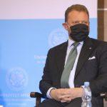 """Prorządowe media o """"fałszywej pandemii"""" i winnych lockdownu. Szumowski kłamał?"""