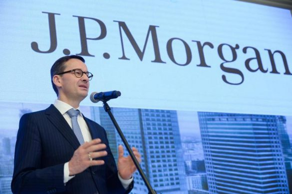 Zaprzyjaźniony bank Morawieckiego pralnią pieniędzy na ogromną skalę