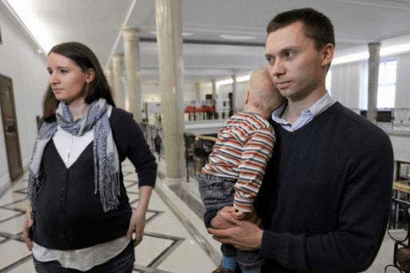 """Jak Platforma walczyła z Elbanowskimi i Akcją """"Ratuj Maluchy"""""""
