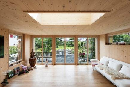 księżycowe drewno domy od thomy