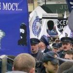 """Komorowski awansuje na generałów a szeregowi policjanci krzyczą """"złodzieje!"""""""
