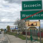 Znak z przekreślonym meczetem przy wjeździe do Szczecina